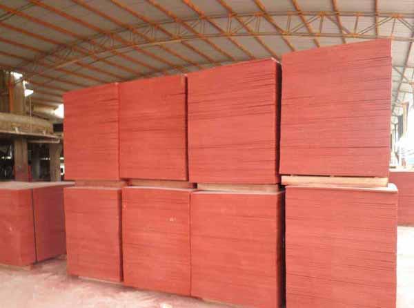 七种建筑模板原材料的优缺点